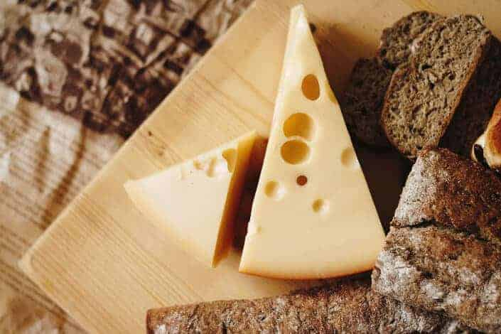 corny jokes-What cheese can you use to hide a horse_ MASCARPONE!