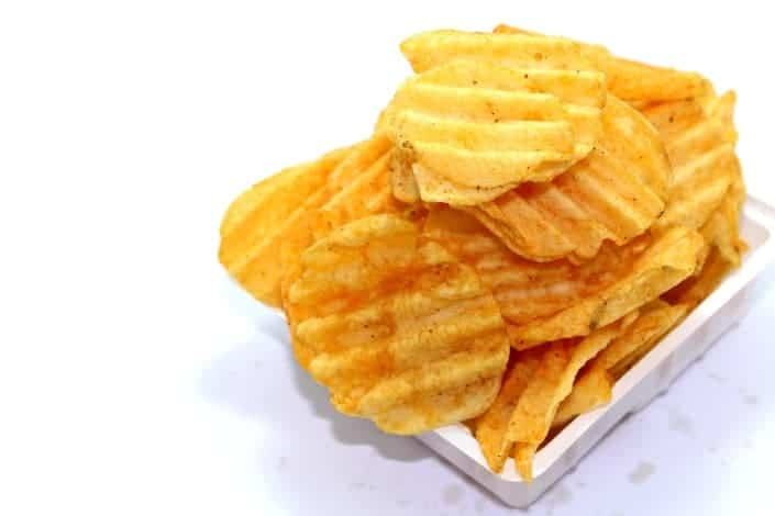 """walks into a bar jokes - A guy walks into a bar and asks, """"Do you have any helicopter-flavored potato chips_"""" The bartender says, """"No, we only have plane."""""""